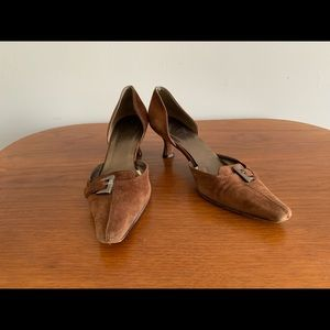 Stuart Weitzman brown suede kitten heels